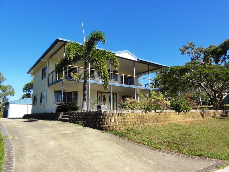 72 Blackcurrent Drive, HIDEAWAY BAY  QLD  4800
